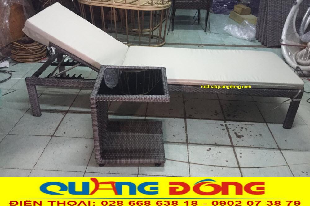 Ghế nằm hồ bơi QD-1247 sản phẩm sản xuất thủ công bằng sợi nhựa giả mây gam màu xám khói