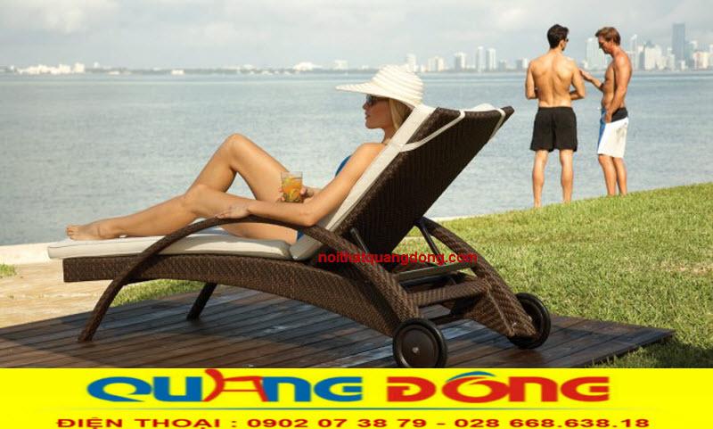 Mẫu ghế hồ bơi QD-594 thêm sang trọng với gam màu nâu cafe cho bạn thêm lựa chọn