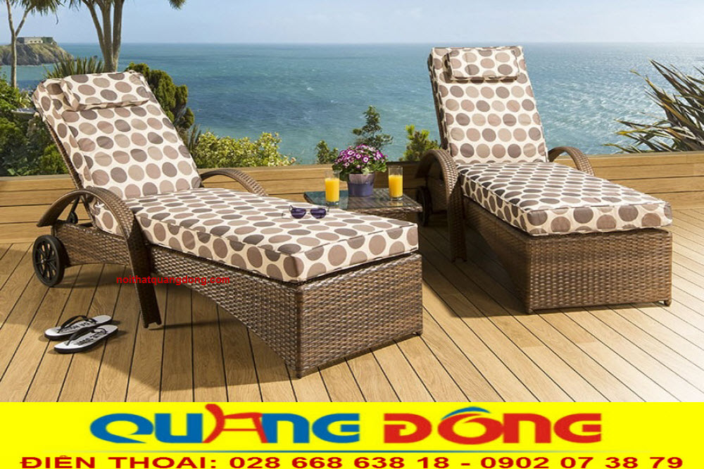 Mẫu ghế nằm hồ bơi QD-598 sử dụng gam màu nâu, nệm lót được sử dụng màu vải chấm bi lạ mắt trẻ trung năng động