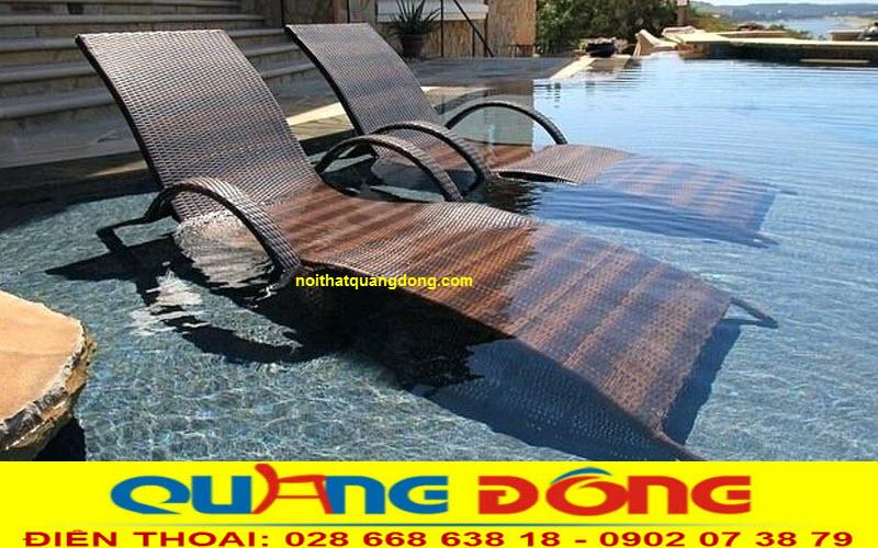 Với dòng ghế nằm hồ bơi giả mây được làm khung bằng inox 304 bạn có thể ngâm trực tiếp dưới nước gây ấn tượng cho người sử dụng