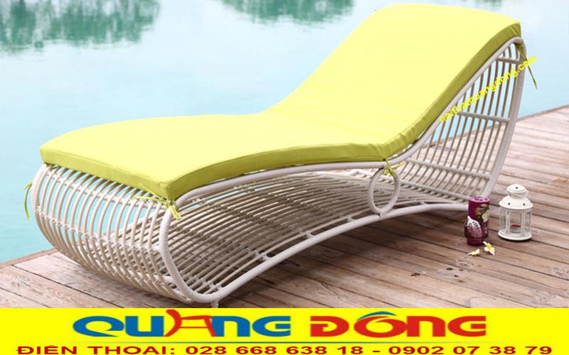 Giường nằm bể bơi, công dụng thư giãn tắm nắng nghỉ ngơi sau thời gian bơi lội