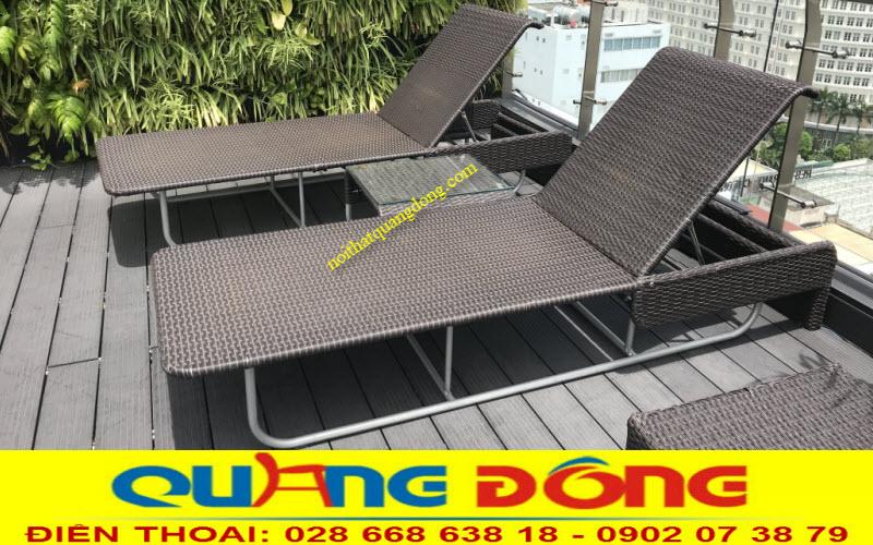 Mẫu ghế nằm thư giãn tắm nắng cho hồ bơi bằng nhựa giả mây