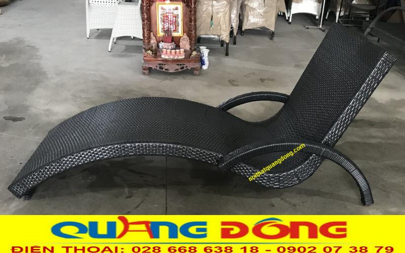 Mẫu ghế nằm hồ bơi QD-590 gam màu đen sang trọng