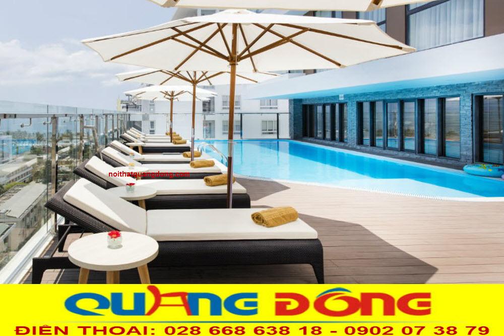 Mẫu ghế nằm hồ bơi bằng nhựa giả mây, sản phẩm giường tắm nắng cho bể bơi khách sạn