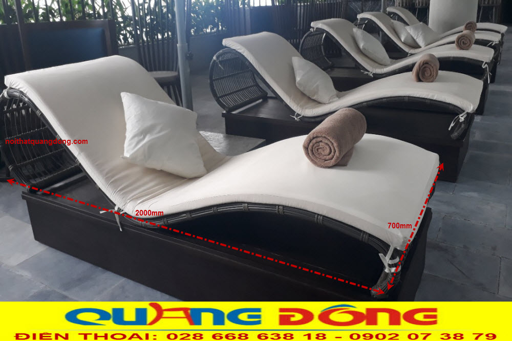 Mẫu ghế hồ bơi QD-579 gam màu xám đen được khách sạn NEW ORIENT HOTEL đà nẵng sử dụng làm giường tắm nắng cho hồ bơi