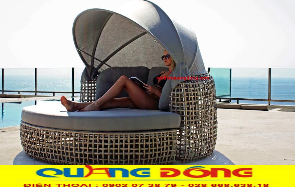 Giường tắm nắng QD-520 bằng nhựa Ratan giả mây tre tuyệt đẹp chuyên dụng thư giãn tắm nắng khu vực hồ bơi