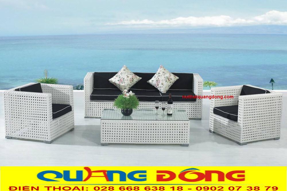 Mẫu sofa dùng cho ngoại thất sân vườn ngoài trời, khu vực hồ bơi, ban công, tính chịu mưa nắng bền đẹp với thời gian.