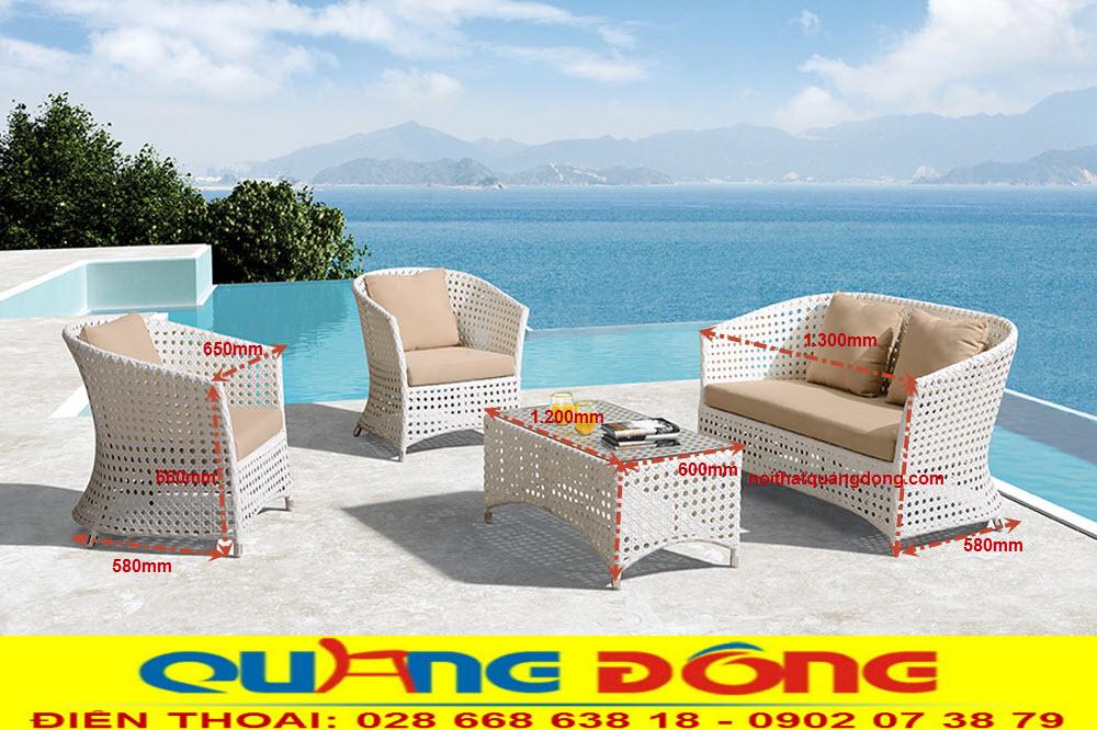 Mẫu sofa giả mây đan mắt cáo mã số QD-647, sử dụng cho không gian sân vườn ngoài trời, với gam màu trắng tinh khôi đẹp cho mọi góc nhìn