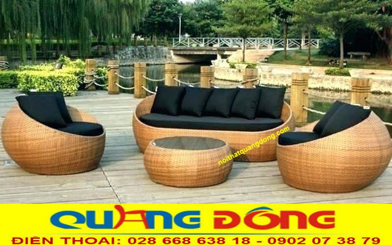 Mẫu sofa mây nhựa dùng cho sân vườn ngoài trời bền đẹp