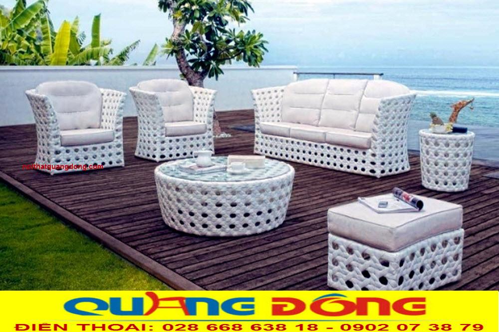 Mẫu sofa mây nhựa dùng cho ngoài trời sân vườn, Bộ sofa giả mây QD-675 gam màu trắng kết hợp kiểu đan mắt cáo êm thoáng bền đẹp