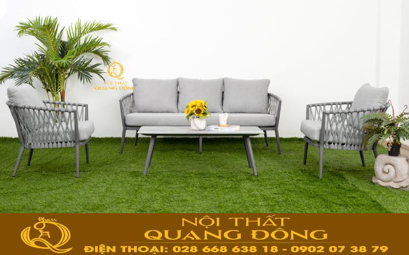 Mẫu ghế sofa dùng cho sân vườn bằng nhựa giả mây đan thủ công mỹ nghệ bằng tay vô cùng tỷ mỷ