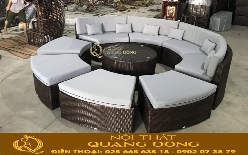 Bộ sofa mây nhựa QD-677 màu nâu giả gỗ ghi hình tại xưởng Nội Thất Quang Đông trước khi ban giao cho khách hàng