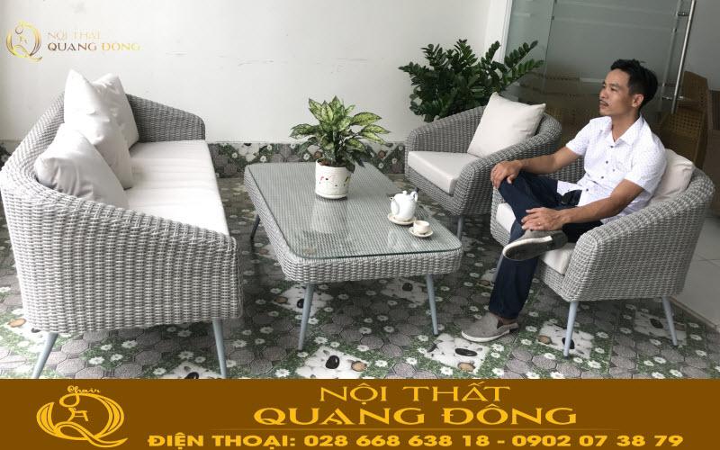 Bộ sofa giả mây QD-701 gồm 2 ghế đơn và 1 băng dài rất tiện lợi bạn có thể dùng cho phòng khách hay ngoài trời sân vườn đều được